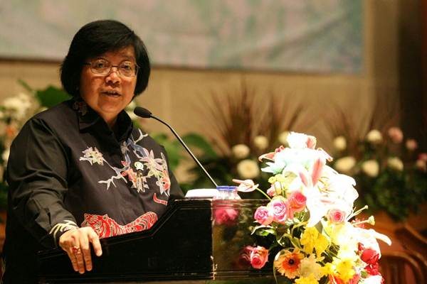Menteri Lingkungan Hidup dan Kehutanan Siti Nurbaya Bakar menyampaikan sambutan pada workshop Hutan dan Deforestastasi Indonesia, di Jakarta, Senin (29/1). - JIBI/Dedi Gunawan