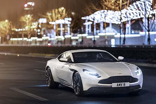 Aston Martin Db11 V8 Raih Penghargaan Best Coupe Otomotif Bisnis Com