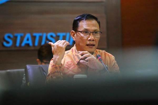 Kepala Badan Pusat Statistik (BPS) Kecuk Suhariyanto memberikan paparan saat konferensi pers inflasi di Jakarta, Senin (2/10). - JIBI/Dwi Prasetya