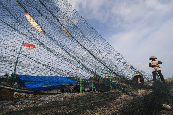 Kementerian Kelautan dan Perikanan melarang nelayan menggunakan cantrang. - kkp.go.id