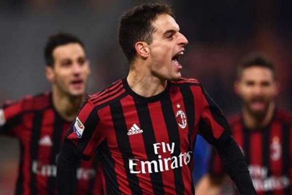 Gelandang AC Milan Giacomo Bonaventura - The Sun