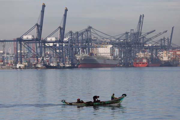 Jakarta International Container Terminal di Tanjung Priok, Jakarta. - Reuters/Darren Whiteside