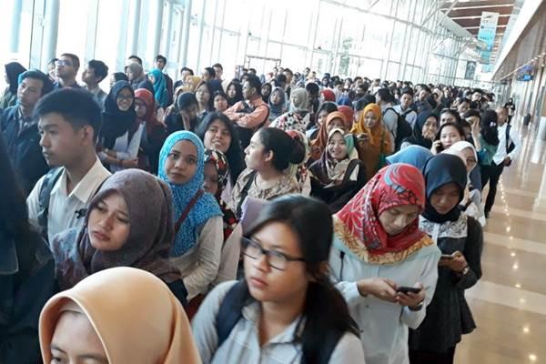 Ilustrasi - Pencari kerja memadati Indonesia Career Expo, di International Convention Exhibition (ICE) BSD, Serpong , Tangerang Selatan, Jumat (8/9). - JIBI/Endang Muchtar
