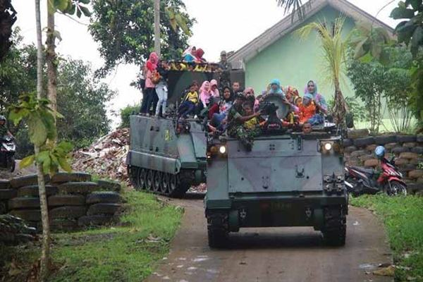Tank angkut personel M-113 Batalyon 412/Mekanik - Istimewa