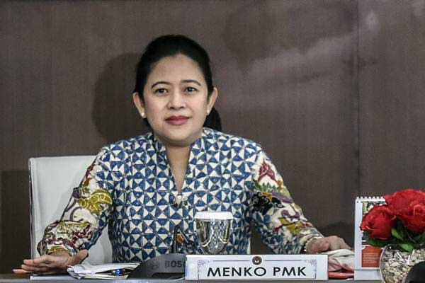 Menteri Koordinator bidang Pembangunan Manusia dan Kebudayaan (Menko PMK) Puan Maharani memimpin rapat koordinasi tingkat menteri di Kemenko PMK, Jakarta, Kamis (2/11). - ANTARA/Hafidz Mubarak A