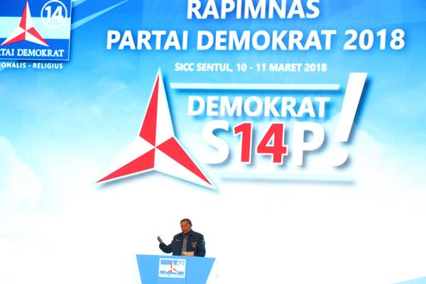 Ketua Umum Partai Demokrat Susilo Bambang Yudhoyono memberikan pidato dalam Rapat Pimpinan Nasional (Rapimnas) Partai Demokrat 2018 di Sentul International Convention Center (SICC), Bogor, Jawa Barat, Sabtu (10/3). Rapimnas tersebut membahas kesiapan Partai Demokrat dalam menghadapi Pemilihan Umum 2019. ANTARA FOTO/Yulius Satria Wijaya - Antara