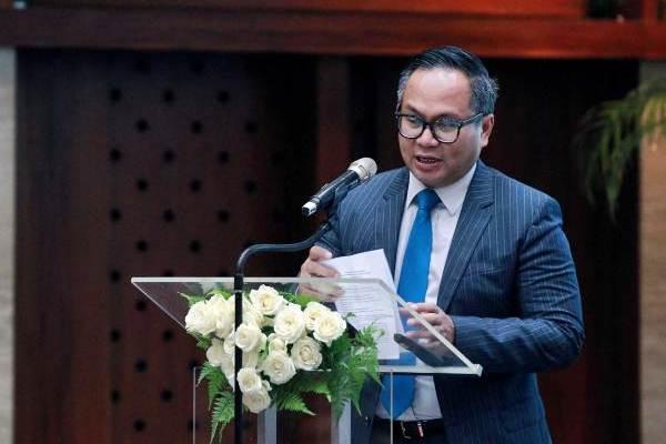 Direktur Utama PT Bank Mandiri Tbk. Kartika Wirjoatmodjo memberikan sambutan pada pembukaan Seminar Reformasi Pajak di Jakarta, Senin (30/10). - JIBI/Dwi Prasetya