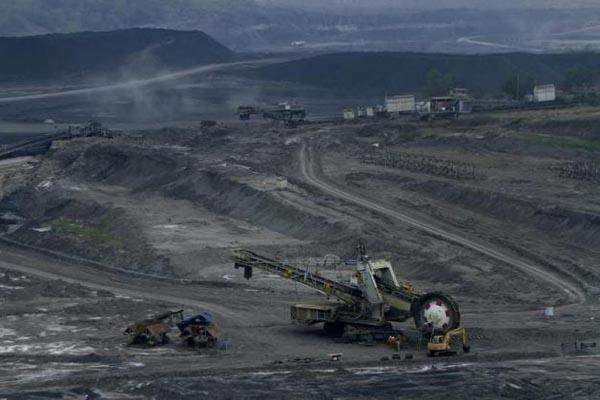 Tambang batu bara Tanjung Enim, Sumatra Selatan - Reuters/Dwi Oblo