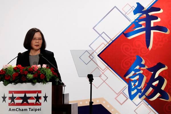Presiden Taiwan Tsai Ing-wen menghadiri acara makan malam di Kamar Dagang Amerika (AmCham), di Taipei, Taiwan 21 Maret 2018. - Reuters
