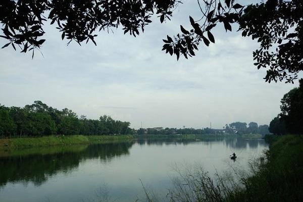 Danau Situ Gintung di Kelurahan Cirendeu, Kecamatan Ciputat Timur, Tangerang Selatan, menjadi salah satu sumber pemasok air bawah tanah di daerah sekitarnya, (22/3/2018). - JIBI/Nurudin Abdullah