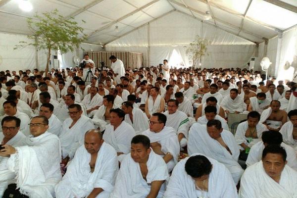 Aktivitas jamaah haji Indonesia di dalam tendanya di Arafah. Ilustrasi - Istimewa