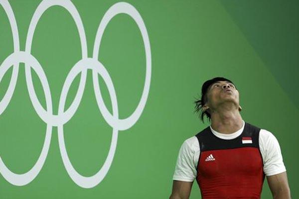 Deni, salah satu lifter andalan Indonesia. - Reuters/Stoyan Nenov