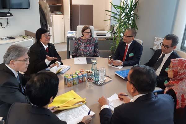 Menteri Lingkungan Hidup dan Kehutanan (LHK) Siti Nurbaya Bakar memimpin delegasi Indonesia bertemu dengan tiga elemen penting Uni Eropa di Brussel, Belgia. - Istimewa