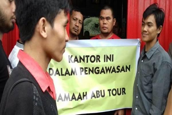 Kementerian Agama, Sulawesi Selatan menegaskan akan mencabut izin operasional dari biro perjalanan haji dan umrah Abu Tour setelah tidak mampu memberangkatkan 86.720 jamaah umrah ke Arab Saudi - Istimewa