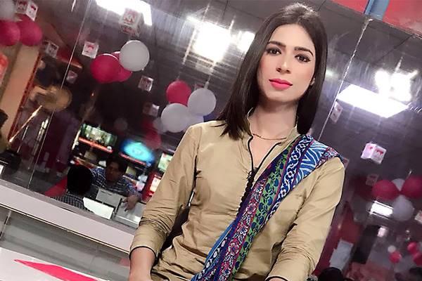 Marvia Malik, penyiar transgender pertama di Pakistan. Dia bekerja untuk Kohinoor News - Istimewa