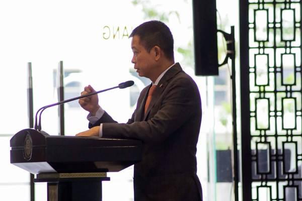 Menteri ESDM Ignasius Jonan memberikan sambutan usai penandatanganan Naskah Amandemen Kontrak Karya (KK) oleh enam perusahaan tambang di Jakarta, Rabu (14/3/2018). - JIBI/Felix Jody Kinarwan