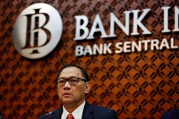 Gubernur Bank Indonesia Agus D.W. Martowardojo memberikan paparan saat konferensi pers hasil Rapat Dewan Gubernur Bank Indonesia di Jakarta, Kamis (16/11). - Reuters/Darren Whiteside