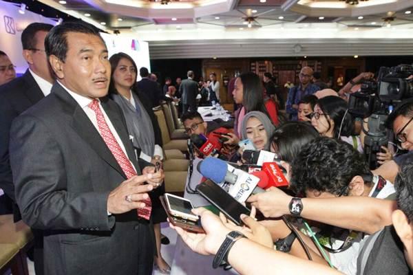 Direktur Utama Bank BRI Suprajarto (kiri) - JIBI/Dedi Gunawan