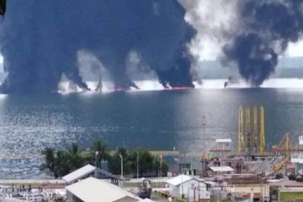 Pertamina Wilayah Kalimantan  mengabarkan kebakaran di perairan Teluk Balikpapan, Kalimantan Timur, Sabtu (31/3/2018) diamankan - Istimewa