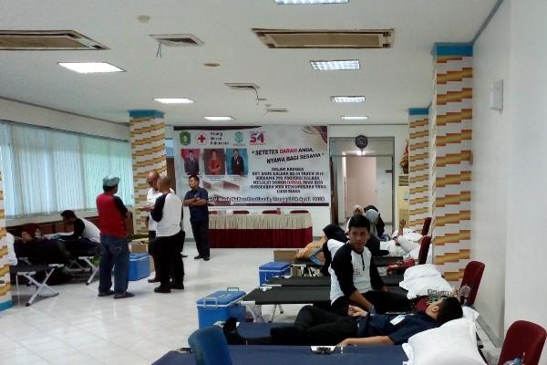 Bank Kalbar menggelar donor darah dalam rangka HUT ke-54 Bank Kalbar. - JIBI/Rachmad Subiyanto