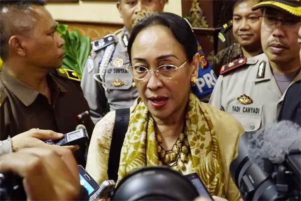 Sukmawati Soekarnoputri saat mendatangi kantor Kejaksaan Tinggi (Kejati) Jabar, Bandung, Jawa Barat. - Antara/Agus Bebeng