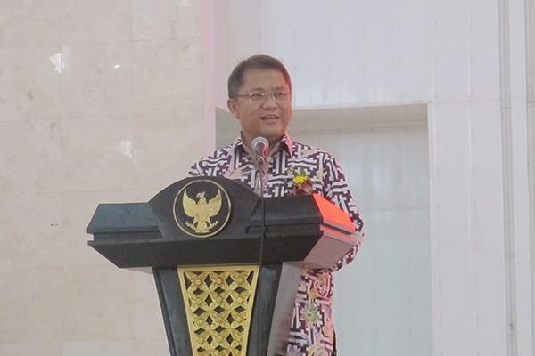 Menteri Komunikasi dan Informatika Rudiantara saat mengisi acara bertajuk Be Social Media Peacemakers! di Auditorium Universitas Sam Ratulangi Manado, Jumat (13/4/2018)  -  Kurniawan A. Wicaksono