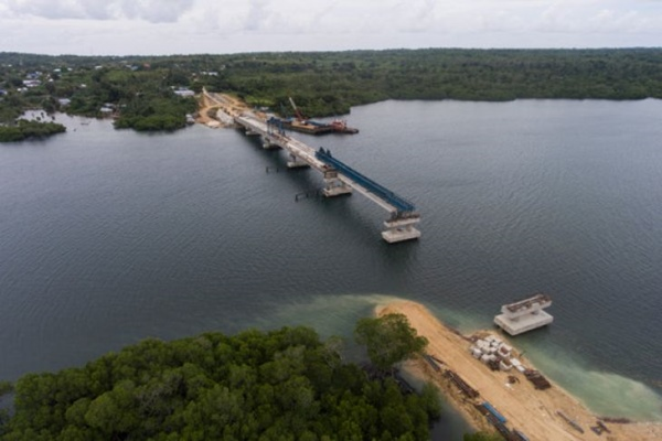 Proyek pembangunan Jembatan Wear Arafura di Maluku Tenggara Barat. - Antara