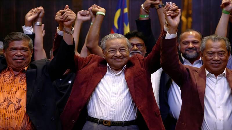 Mahathir Mohamad, mantan PM Malaysia dan kandidat oposisi dari Pakatan Harapan (Alliance of Hope) dalam news conference setelah pemilihan umum  di Petaling Jaya, Malaysia, Kamis (10/5/2018) - REUTERS