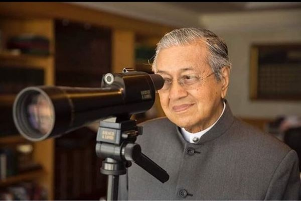 Mahathir Mohamad - Instagram@chedetofficial