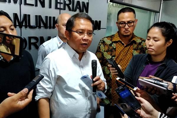 Menteri Komunikasi dan Komunikasi Rudiantara usai pertemuan dengan perwakilan dari beberapa penyedia platform over-the-top di Indonesia tentang percepatan penanganan konten radikalisme dan terorisme - Dhiany Nadya Utami
