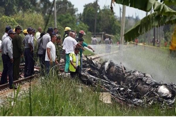 Pesawat penumpang Boeing 737 Cubana Airlines jatuh tepat setelah berangkat dari Havana, menewaskan hampir semua orang di dalam pesawat. Jumat (18/5/2018. - Reuters