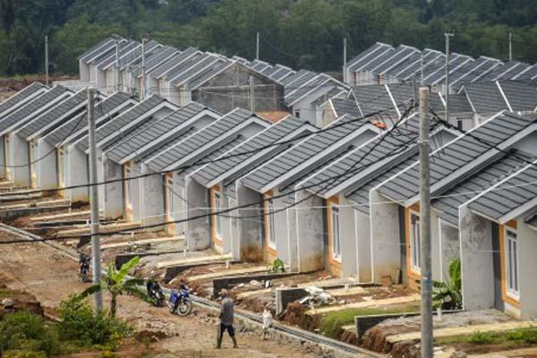 Ilustrasi pembangunan perumahan sederhana di Cicalengka, Kabupaten Bandung, Jawa Barat. - Antara/Raisan Al/Farisi