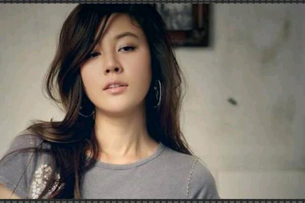 Aktris Cantik Korea Kim Ha Neul Lahirkan Anak Perempuan - Lifestyle  Bisnis.com
