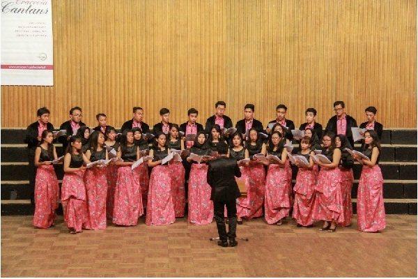Telkom University Choir saat tampil dalam ajang 9th International Krakow Choir Festival Cracovia Cantans di Krakow, Polandia yang diselenggarakan oleh Melody, Poland pada 7/10 Juni 2018. (foto: istimewa)
