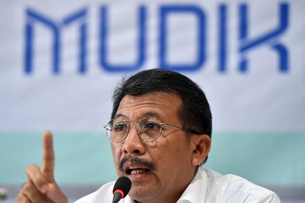 Dirut PT Jasa Raharja yang juga Ketua Satgas Mudik Bareng BUMN Budi Rahardjo memberikan keterangan pers tentang Mudik Bareng BUMN di Jakarta, Selasa (15/5/2018)./ANTARA FOTO - Sigid Kurniawan
