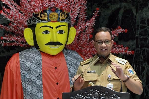 Gubernur DKI Jakarta Anies Baswedan menyampaikan pengarahan di Balai Kota Jakarta, Senin (13/11). - JIBI/Dwi Prasetya
