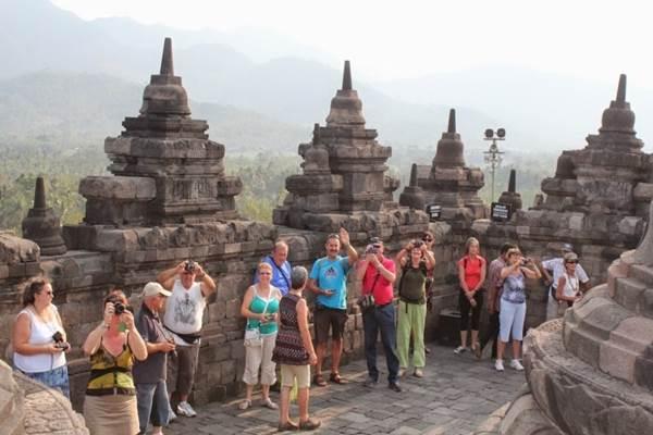 Turis asing - setkab.go.id