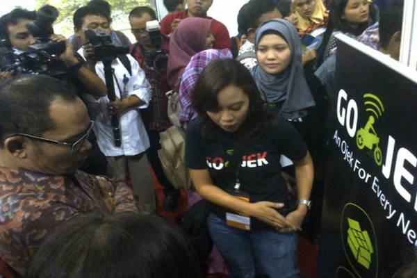 Menteri Tenaga Kerja Hanif Dhakiri hadir di Pameran Bursa Kerja Universitas Indonesia - Bisnis.com/Miftahul Khoer