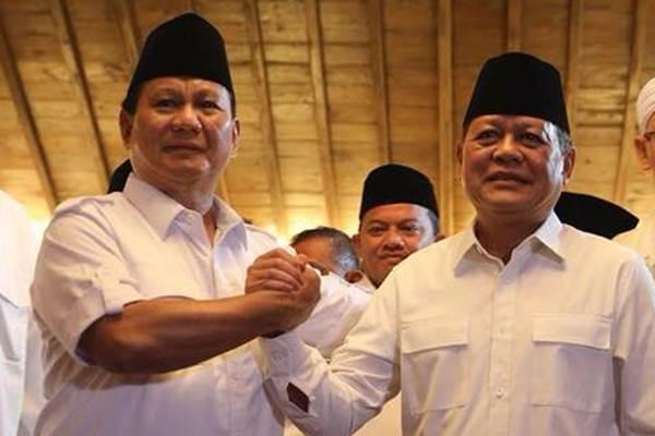 Cagub Sudrajat (kanan) bersama Ketua Umum DPP Partai Gerindra Letjen Purn. Prabowo Subianto (kiri). - www.facebook.com/PrabowoSubianto