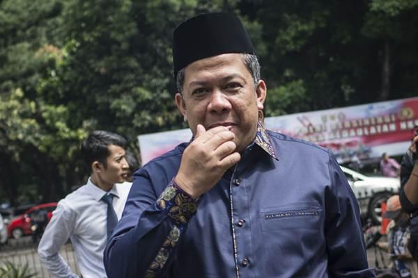 Wakil Ketua DPR Fahri Hamzah tiba untuk menjalani pemeriksaan di Direktorat Reserse Kriminal Khusus (Dit Reskrimsus), Polda Metro Jaya (PMJ), Jakarta, Senin (19/3/2018). - ANTARA/Aprillio Akbar