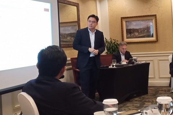 Wincen Santoso, pengacara internasional asal Indonesia selaku Senior Associate pada kantor hukum DLA Piper Singapore Pte Ltd - Istimewa