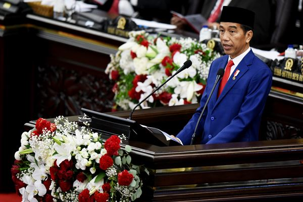 Presiden Joko Widodo (Jokowi) menyebut percepatan pembangunan infrastruktur merupakan modal utama untuk membangun peradaban. - Antara