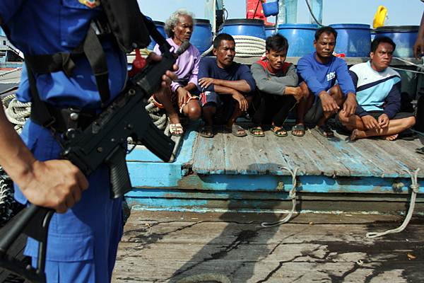 Nelayan asing pelaku pencurian ikan (illegal fishing) di Belawan, Sumatra Utara, Kamis (21/5). - Antara/Irsan Mulyadi