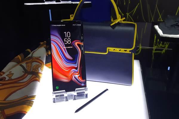 Displai ponsel Samsung Galaxy Note 9 saat peluncuran di Indonesia pada Kamis, (23//2018) - Bisnis/Dhiany Nadya Utami