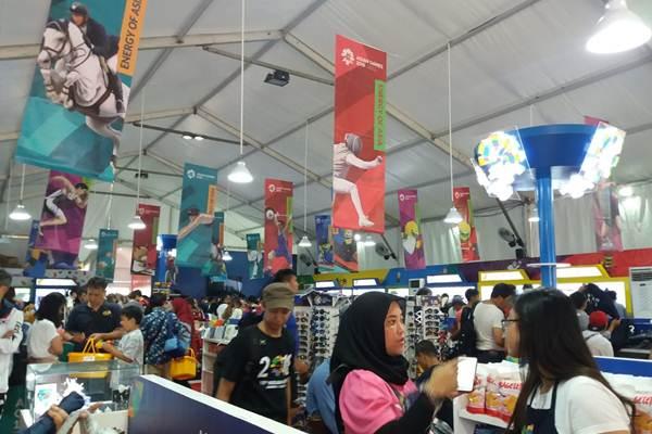 Super Store Asian Games diminati pengunjung - Bisnis/Nur Faizah