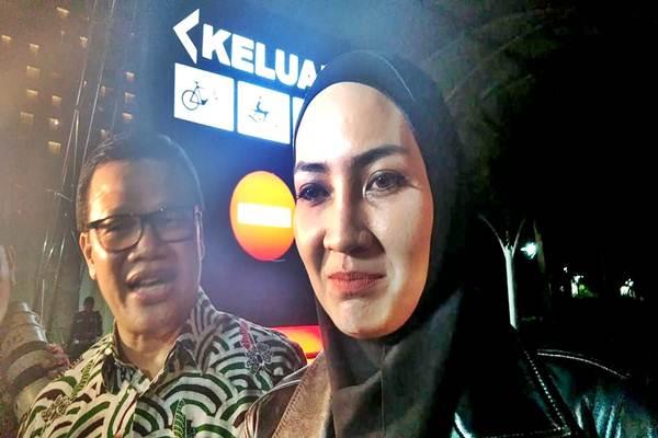 Fenny Steffy Burase, salah satu saksi kasus korupsi DOK Aceh yang juga berprofesi sebagai model, diperiksa KPK Rabu (18/7/2018) - Bisnis / Fauzan Kumbang
