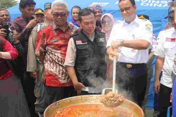 Gubernur DKI Jakarta Anies Baswedan membuka kegiatan bertajuk Dapur Qurban di Cilincing, Jakarta Utara, Kamis (23/8/2018) - Istimewa
