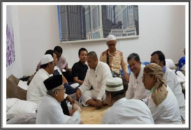 H Maruf Amin bertemu Fadli Zon dan Fahri Hamzah di Mekah - dok. Tim Ma\'ruf Amin)
