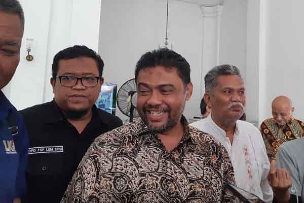 Presiden Konfederasi Serikat Pekerja Indonesia (KSPI) Said Iqbal berkunjung ke Balai Kota, JAKARTA Pusat, Kamis (23/8/2018) untuk memperjuangkan hak buruh dan pekerja - Regi