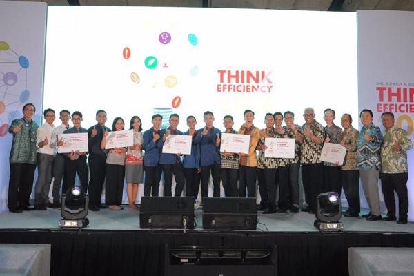 Dari enam tim yang berhasil masuk ke babak final, dewan juri akhirnya memutuskan dua tim Inovator Indonesia sebagai pemenang utama Think Efficiency Award 2018.  - SHEEL
